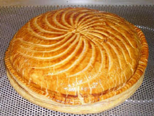GATEAUX/pithivier_whole.JPG