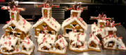 HOLIDAYS/new_Christmas06_gingerbreadhouse2.JPG